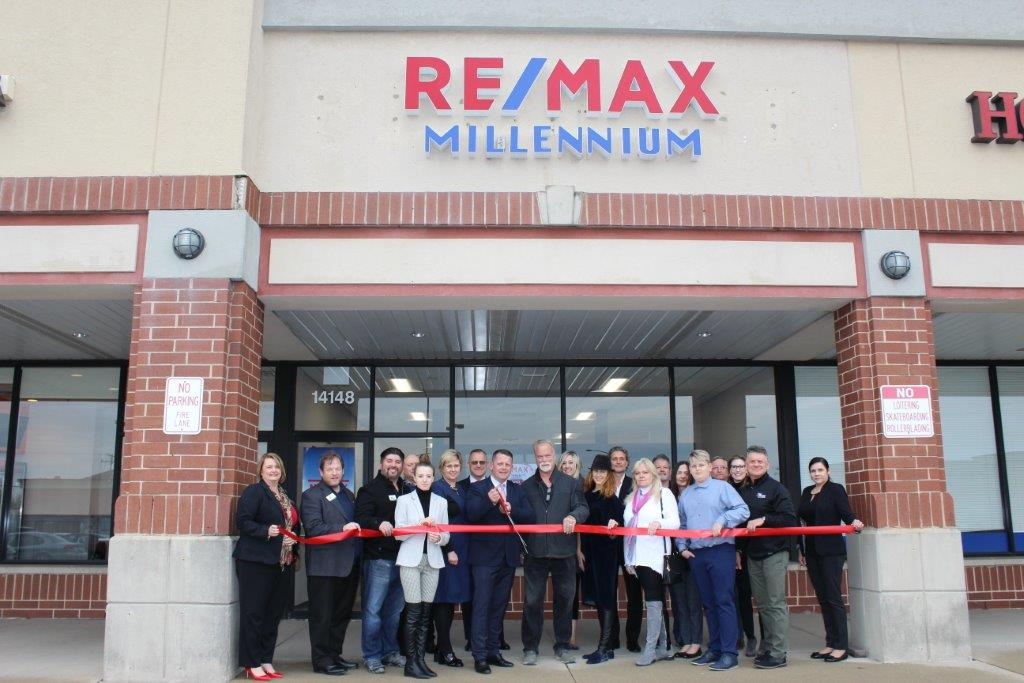 19-0410 ReMax Millennium ribbon cutting