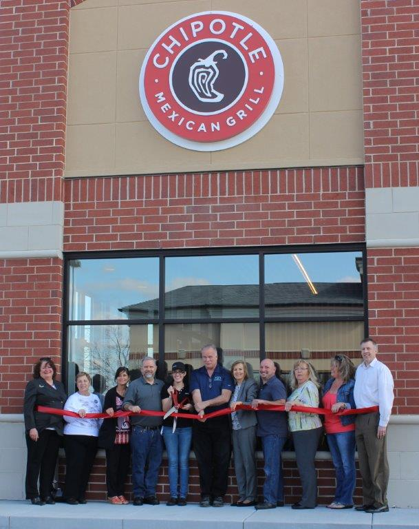 Chipotle ribbon cutting 4-20-17