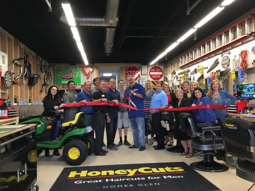 19-0612 HoneyCuts ribbon cutting